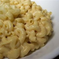 Creamy macaroni and cheese. These and other favorite pasta dishes can be made in your slow cooker. Get recipes. Slow Cooker Mac Cheese, Crock Pot Slow Cooker, Crock Pot Cooking, Slow Cooker Recipes, Crockpot Recipes, Cooking Recipes, Cheese Recipes, All You Need Is, Creamy Macaroni And Cheese