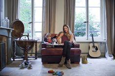 The Socialite Family | Chez Delphine Delafon et Camille 2 ans. #family #famille #paris #creator #founder #delphinedelafon #livingroom #salon #earth #terre #guitar #kids #artist #design #home #deco #art #inspiration #idea #thesocialitefamily