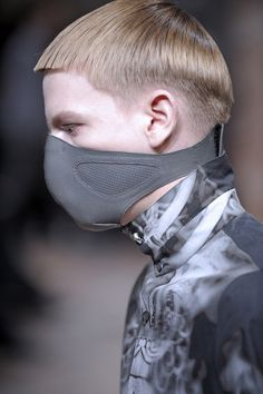 Visions of the Future // Post-Apocalyptic Fashion Fashion Mask, Mens Fashion, Post Apocalyptic Fashion, Future Fashion, Dark Fashion, Rick Owens, Mask Design, Dandy, Prince Charming