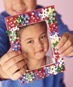 Puzzle Picture Frame Great idea for Mother's Day project.
