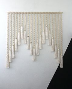 24 Ideas For Wall Hanging Macrame Diy Design Macrame Design, Macrame Art, Macrame Projects, Macrame Knots, Diy Projects, Deco Boheme, Macrame Curtain, Micro Macramé, Macrame Tutorial