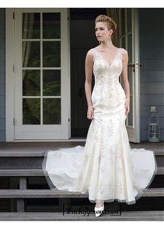 Beautiful Elegant Tulle Mermaid/trumpet V-neck Wedding Dress In Great Handwork