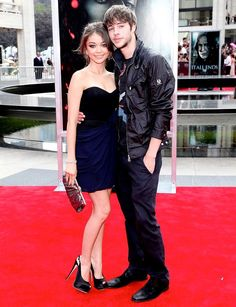Sarah hyland and Matt Prokop .So cute!