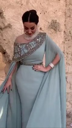 Party Wear Indian Dresses, Indian Bridal Outfits, Indian Fashion Dresses, Indian Designer Outfits, Beautiful Dress Designs, Beautiful Dresses, Elegant Dresses Classy, Sleeves Designs For Dresses, Dress Neck Designs