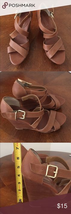 Banana Republic Wedges Size 9 Great for summer outfits! Tan wedges from BR size 9. Banana Republic Shoes Wedges