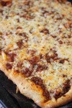 Snabb köttfärspizza i långpanna – Lindas Bakskola