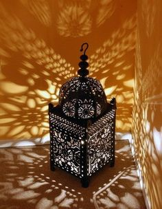 I Moroccan pattern Lamp Shade I The detailing on the lamp with a mix of light would be enough for a person to adore in a place reserved for spirituality.