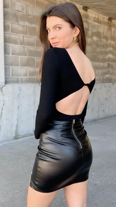 Fall Fashion Outfits, Hot Outfits, Skirt Outfits, Look Fashion, Girl Fashion, Black Leather Skirts, Leather Dresses, Tight Dresses, Sexy Dresses
