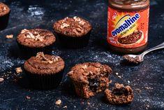 Das perfekte Mitbringsel für den Besuch bei Freunden: die leckeren Walnuss-Muffins mit Ovomaltine Crunchy Cream! Homemade Peanut Butter Cups, Oreo, Muffins, Food And Drink, Cupcakes, Yummy Food, Candy, Dinner, Breakfast