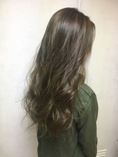 【elem.】秋色カーキアッシュ - 24時間いつでもWEB予約OK!ヘアスタイル10万点以上掲載!お気に入りの髪型、人気のヘアスタイルを探すならKirei Style[キレイスタイル]で。