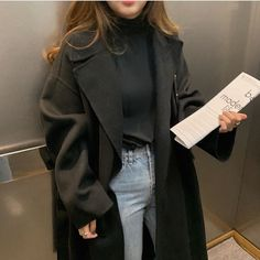 Apr 2020 - a veces guardo 2 pin. See more ideas about Fashion outfits, Fashion and Cute outfits. Fashion Mode, Look Fashion, Korean Fashion, Fashion Pants, Vogue Fashion, Swag Fashion, Fashion Fall, Fashion 2020, Fashion Trends