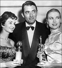 - Jean Simmons - Gregory Peck et Grace Kelly receiving award