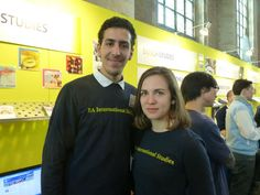 Souhaib and Pauline are ready to talk to prospective students and their parents at Leiden University's Open Day.
