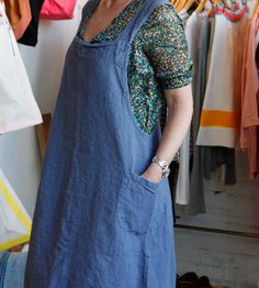 French Apron- This looks like a good way to recycle a denim jumper. It would be so pretty in linen