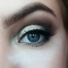 Gold smokey eye #makeuprevolution