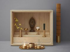 This micro-sized Buddhist prayer altar is designed for today's micro-sized Japanese apartments. Meditation Raumdekor, Meditation Room Decor, Mandir Design, Pooja Room Design, Buddhist Shrine, Buddhist Prayer, Meditations Altar, Altar Design, Little Buddha