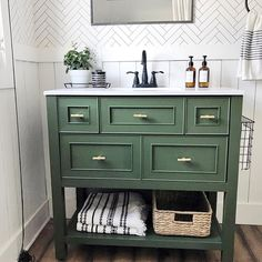 Amazing DIY Bathroom Ideas, Bathroom Decor, Bathroom Remodel and Bathroom Projects to assist inspire your master bathroom dreams and goals. Boys Bathroom, Green Vanity, Fall Home Decor, Green Bathroom, Bathroom Makeover, Ikea Bathroom, Bathrooms Remodel, Bathroom Decor, Bathroom Inspiration
