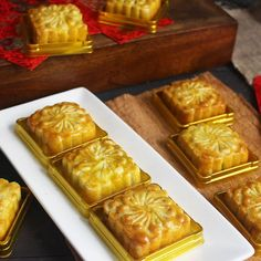 Resep nastar kekinian istimewa Indonesian Desserts, Asian Desserts, Indonesian Food, Cake Oven, Resep Cake, Japanese Cheesecake, Fruit Salad Recipes, Pastry And Bakery, Cookie Recipes