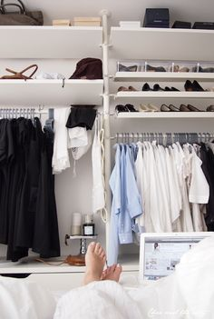 de 157 beste bildene for walk in closet organized closet p pinterest i 2018 dressing room. Black Bedroom Furniture Sets. Home Design Ideas