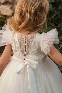 Princess gowns and flower dresses for any special occasion by DOLCE bambini Baptism Clothes, Baptism Outfit, Baptism Gown, Christening, First Birthday Dresses, Princess Gowns, Luxury Dress, Lace Embroidery, Party Gowns