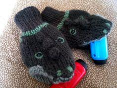 cocodrile mittens