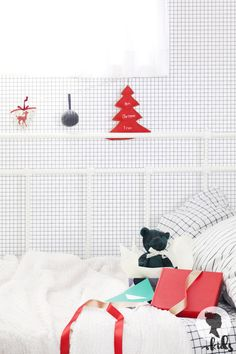 Beautiful self-adhesive removable wallpaper by Livettes Kids! With this Checkers wallpaper you can create a playful kids room interior in just a few minutes! Checker Wallpaper, Neutral Wallpaper, Nursery Wallpaper, Kids Wallpaper, Print Wallpaper, Fabric Wallpaper, Baby Nursery Neutral, Baby Nursery Decor, Temporary Wallpaper