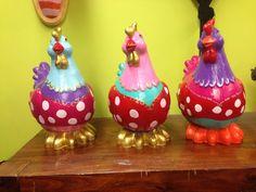 Hippe kippen!! Beschilderen van polyester beelden tijdens super gezellige workshop!! Fat lady's, dikke dames! Everybody van do iT! Happysens.nl