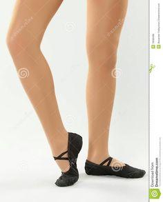 Pretty with shoes Ballerina Feet, Ballet Dance, Dance Shoes, Slippers, Pretty, Fashion, Dancing Shoes, Moda, Ballet Feet