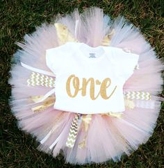 LONG SLEEVE Gold Glitter & Pink first birthday Onesie and Tutu with matching lace and fabric bow headband, Gold Cake smash tutu - pinned by pin4etsy.com