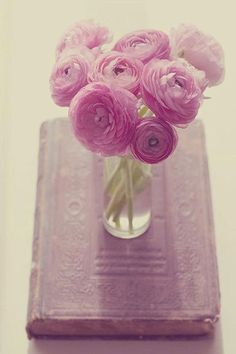 Pink Ranunculus look so romantic with their soft ruffled petals.  A simple arrangement like this would be an easy way to decorate a spring wedding.
