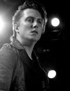 Synyster Gates... so freakin' HOT!!!