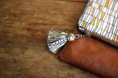 Zippered Pouch Tutorial ~ DIY Tutorial Ideas! - tassel