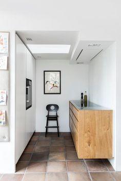 Welcome to Garde Hvalsøe - unique, bespoke kitchens Kitchen Flooring, Kitchen Countertops, Wardrobe Solutions, Kitchen Nook, Kitchen Island, Bespoke Kitchens, Bathroom Furniture, Custom Furniture, Kitchen Design