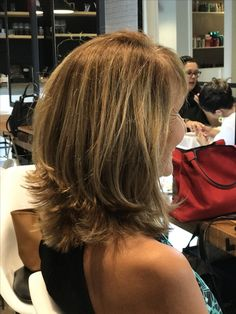 Hair cuts tendence short haircuts New ideas Medium Layered Hair, Medium Hair Cuts, Short Hair Cuts, Hair Styles For Medium Hair With Layers, Layered Haircuts For Medium Hair With Bangs, Shoulder Length Hair Cuts With Layers, Hair Layers, Pixie Cuts, Great Hair