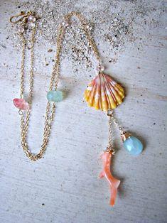 Sunrise Shell Necklace Mint Gemstone Aqua by PukoaPacificPearls Seashell Necklace, Seashell Jewelry, Shell Necklaces, Beach Jewelry, Diy Necklace, Seashell Crafts, Jewelry Show, I Love Jewelry, Diy Jewelry