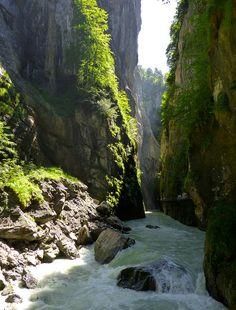 The Aar River Gorge near Meiringen, Switzerland • photo: Samuel Lozeau on Flickr