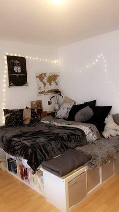 College Bedroom Decor, Cute Bedroom Decor, Room Design Bedroom, Girl Bedroom Designs, Teen Room Decor, Room Ideas Bedroom, Platform Bed Designs, Cozy Room, Aesthetic Bedroom