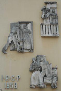 Virgilio Milani - bassorilievi palazzo IACP Istituto Autonomo Case Popolari by Pivari.com, via Flickr