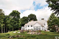 Красивый загородный дом с воздушными интерьерами в США | Пуфик - блог о дизайне интерьера