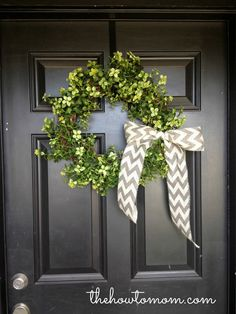 The How To Mom: the 15 minute, 15 dollar wreath