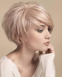 Výsledek obrázku pro krátké vlasy