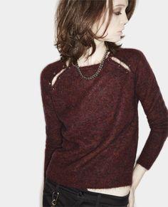 DIY raglan sweater with shoulder slits