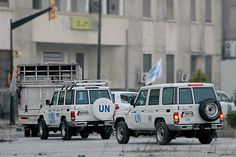 UN resumes aid mission in Homs. Operations to evacuate civilians and deliver aid in besieged parts of Syria s Homs resumed Wednesday after being suspended a day earlier, as peace talks in #Geneva appeared deadlocked. #World #DunyaNews