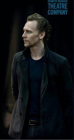 Tom Hiddleston Hamlet 2017