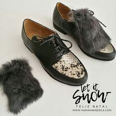 XMAS GIFTS - Sapatos animal print cobra com pelo -  39.9€ Artigo disponível online www.mariamangerica.com ou numa das lojas em Lisboa | Chiado | Centro Comercial Roma #shoes #fur #xmas #fashion #style #look #fashionstore