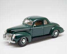 Miniatura 1939 Ford Deluxe - Maisto - 1:18 - Machine Cult - Kustom Shop | A loja das camisetas de carro e moto