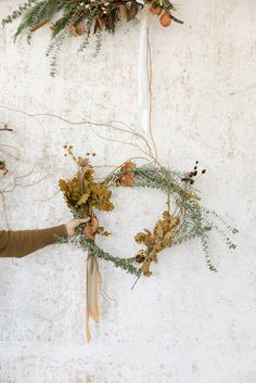 wreath making. Sign Installation, Bright Wedding Flowers, Autumn Cozy, Wedding Flower Inspiration, Flower Fashion, Fall Harvest, How To Make Wreaths, Grapevine Wreath, Autumn Leaves