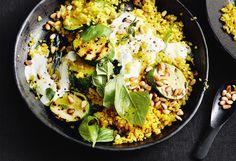 Curry-Bulgur mit Zucchini und Minzejoghurt Zucchini, Paella, Potato Salad, Healthy Recipes, Healthy Food, Healthy Living, Curry, Food And Drink, Potatoes