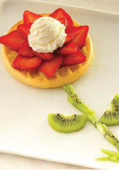 Eggo Waffle Blooming Flower – Let your little artists shine with this simple and easy food art recipe.