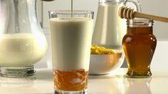 Beneficios de tomar un vaso de leche con dos cucharadas de miel todos los días.